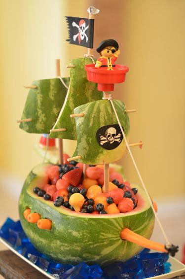 Kalózos gyümölcshajó